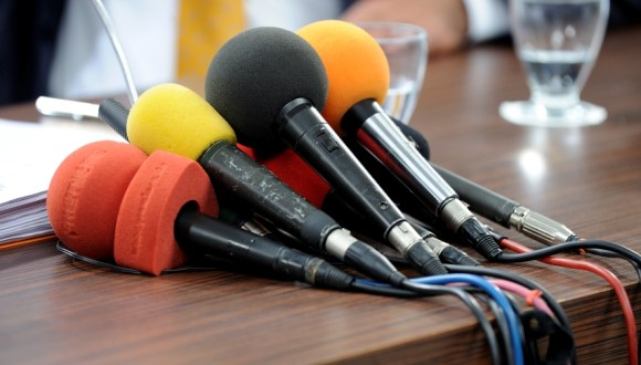 Press-Release-group-of-microphones_2-1
