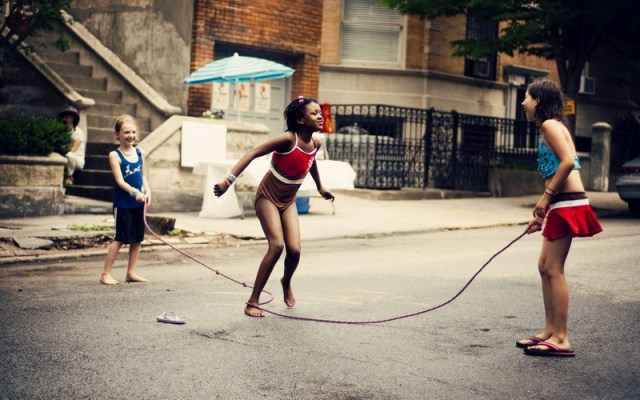 children-girls-american-skipping-rope-1600x2560