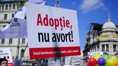 """Photo of """"Iubindu-i pe amândoi, vom afla soluțiile vieții"""". Discurs rostit la Marșul pentru Viață din București"""