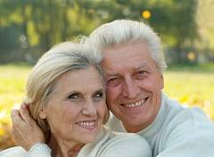 Photo of Studiu: Persoanele căsătorite au o rată de supraviețuire mai mare în cazul accidentelor prevenibile și cancerului