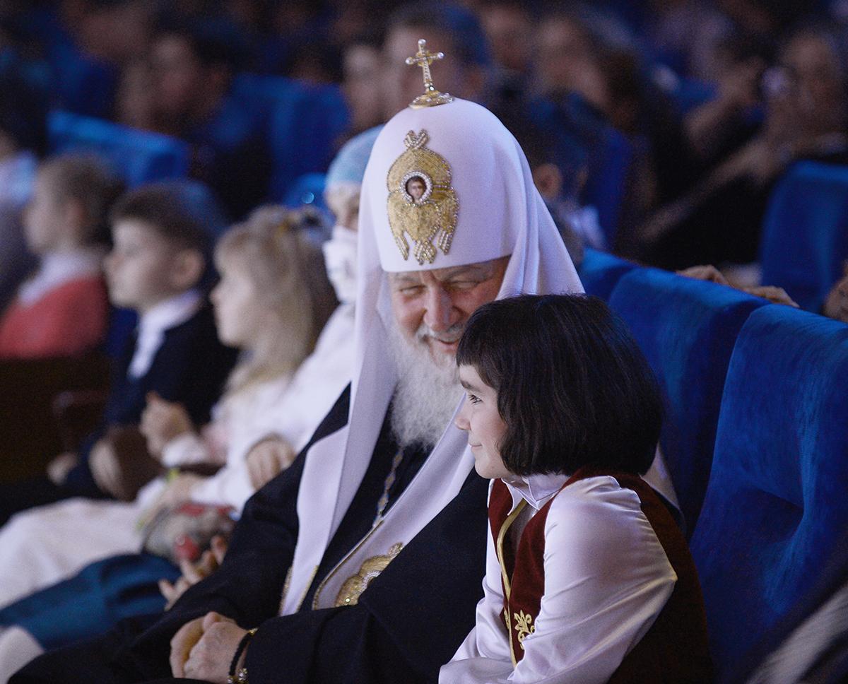"""Photo of Scrisoarea unei fetițe către Patriarhul Rusiei: """"Rugați-vă, să am și eu o mamă"""" și răspunsul acestuia"""