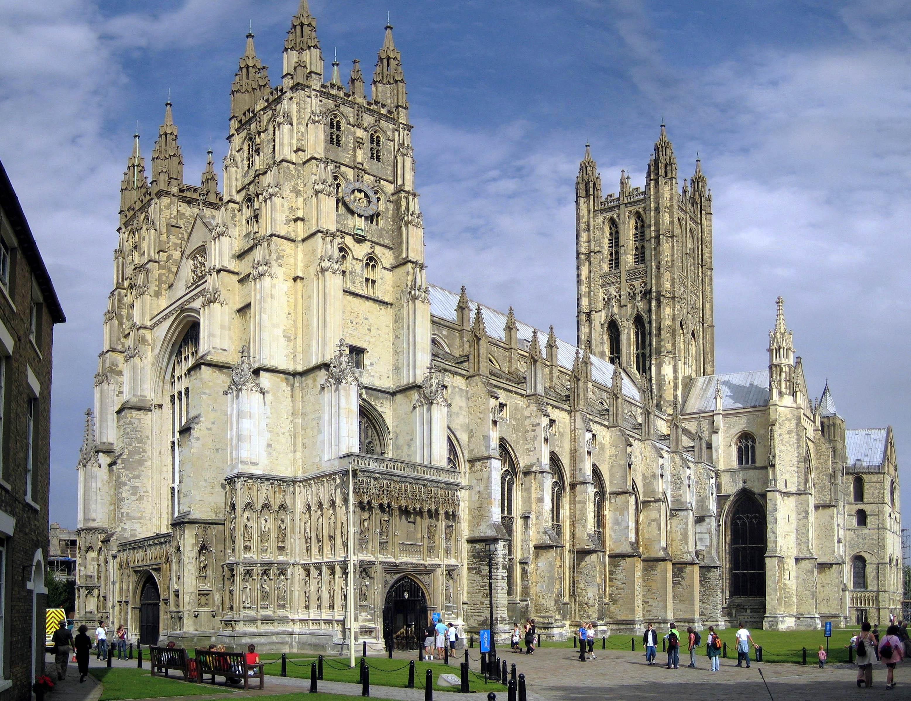 Photo of Biserica Anglicană nu acordă binecuvântare căsătoriilor homosexuale, dar permite rugăciuni informale