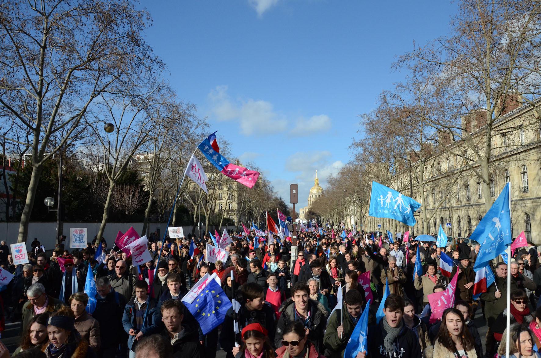 Photo of Paris și Lyon: Cel puțin 100.000 de participanți la marșul Manif pour tous