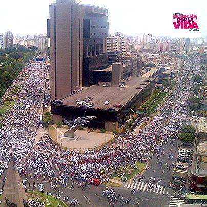 Photo of Record în Peru: Marșul pentru viață de la Lima, cel mai mare din istoria Americii Latine