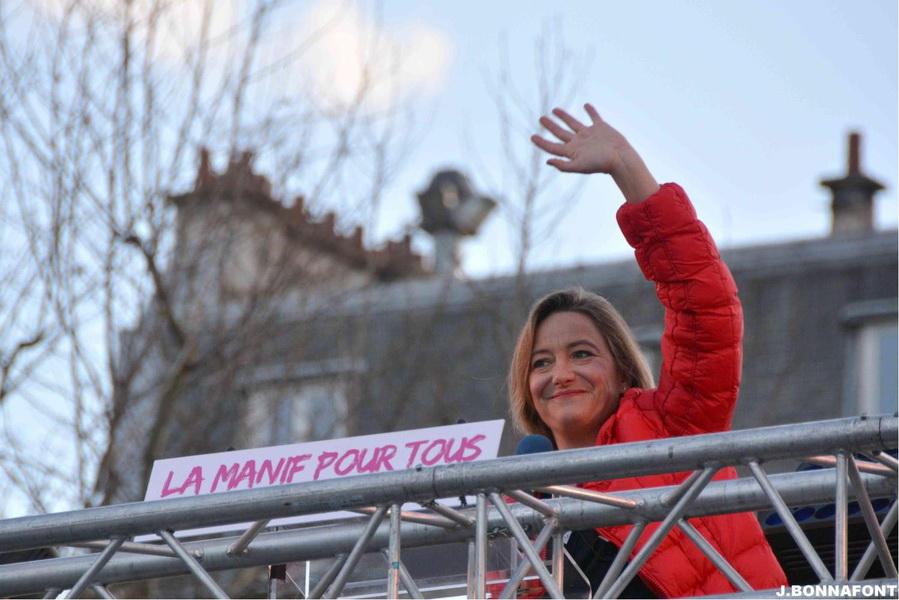 Photo of Ludovine de la Rochère: Secretele succesului La Manif pour Tous, o mișcare în apărarea familiei