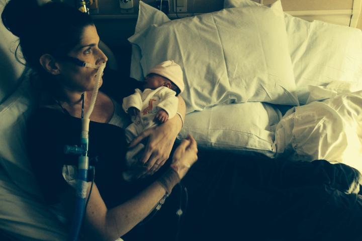 Photo of O mamă bolnavă de cancer își sacrifică propria viață pentru cea a copilului ei, refuzând avortul