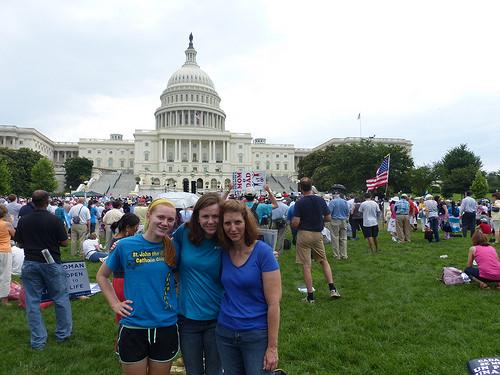 Photo of Mii de oameni au participat la Marșul pentru Căsătorie din Washington
