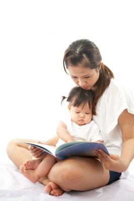 Photo of Statele Unite: Medicii pediatri fac apel la părinți să le citească cu voce tare copiilor în fiecare zi
