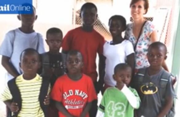 Photo of Cuplu creștin adoptă opt copii dintr-un orfelinat din Africa