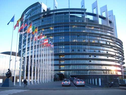 Photo of Comisia Europeană, chemată în justiție pentru respingerea inițiativei One of Us