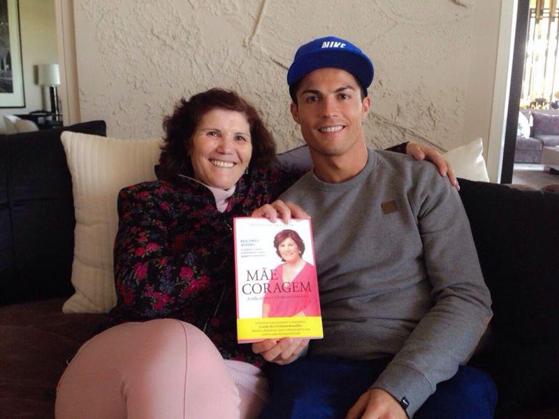 Photo of Mama fotbalistului Cristiano Ronaldo recunoaște că a încercat să-l avorteze