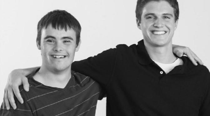 Photo of Proiectul Felicitărilor: Copiii cu sindrom Down le mulțumesc părinților pentru că au ales viața