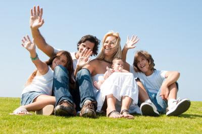 Photo of Guvernul britanic raportează : Copiii cu părinți căsătoriți sunt mai sociabili