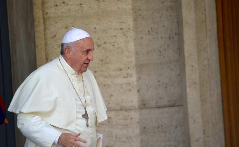 """Photo of Papa Francisc se distanțează de episcopii """"foarte conservatori"""""""