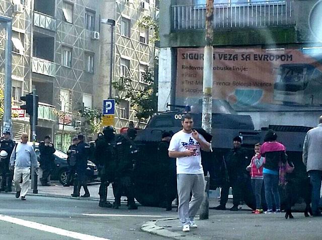 Photo of VIDEO: Parada homosexualilor de la Belgrad a avut loc sub protecția blindatelor