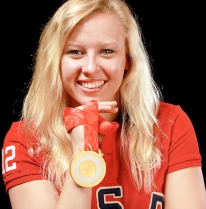 """Photo of O campioană olimpică adoptată: """"O iubesc mult pe mama pentru că mi-a dat viață"""""""