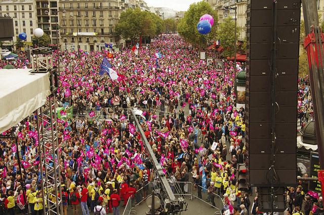 Photo of Sute de mii de francezi au demonstrat pentru familia naturală