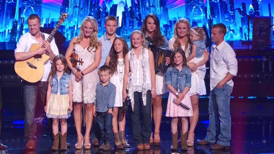 """Photo of Cei 12 copii ai familiei Willis impresionează juriul și publicul emisiunii """"America are Talent 2014"""""""