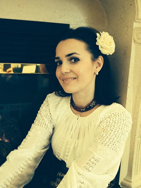"""Photo of Veronica D.: """"M-a iubit întotdeauna mult mai mult decât eu L-aș putea iubi vreodată"""""""