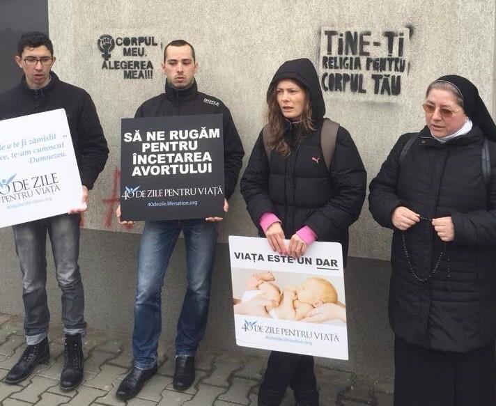 Photo of Cluj: Acte de vandalism ca reacție la veghea pro-viață cu rugăciune