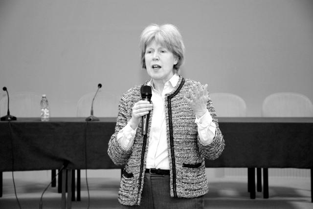 Photo of VIDEO: Conferința dnei Antonia Tully – Educația sexuală, distrugerea copilăriei (experiența din Marea Britanie)