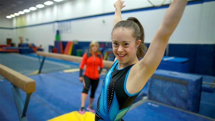 Photo of Are Sindrom Down, dar asta nu a împiedicat-o să devină campioană la gimnastică și să îi inspire și pe alții