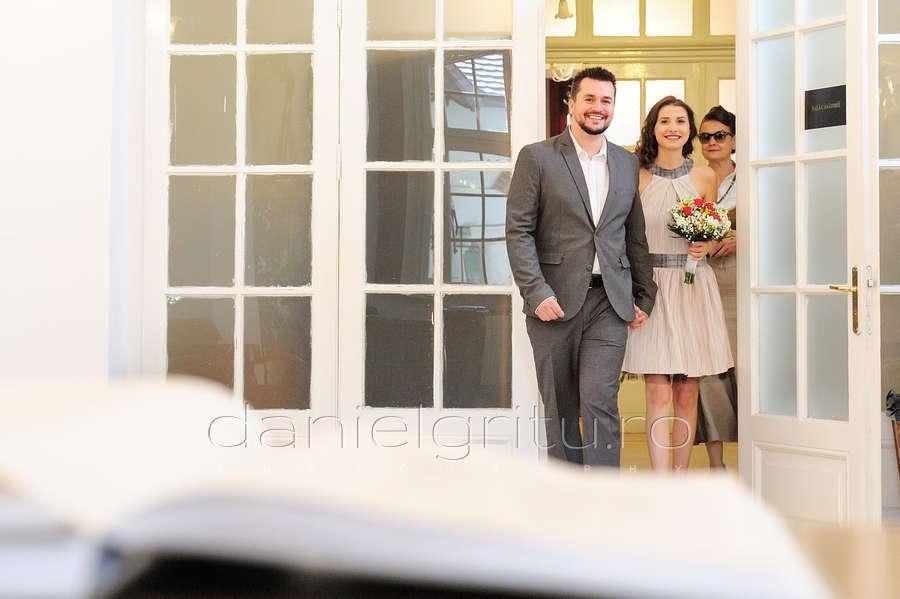 """Photo of Comunicat al Bisericii Ortodoxe Române: """"Avem obligația să apărăm familia, constituită prin căsătoria dintre un bărbat și o femeie"""""""