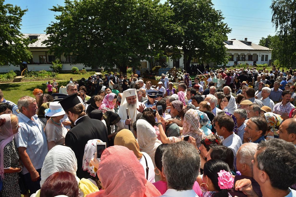 Photo of Atitudinea Patriarhului Bisericii Ortodoxe Române față de avort, comentată online