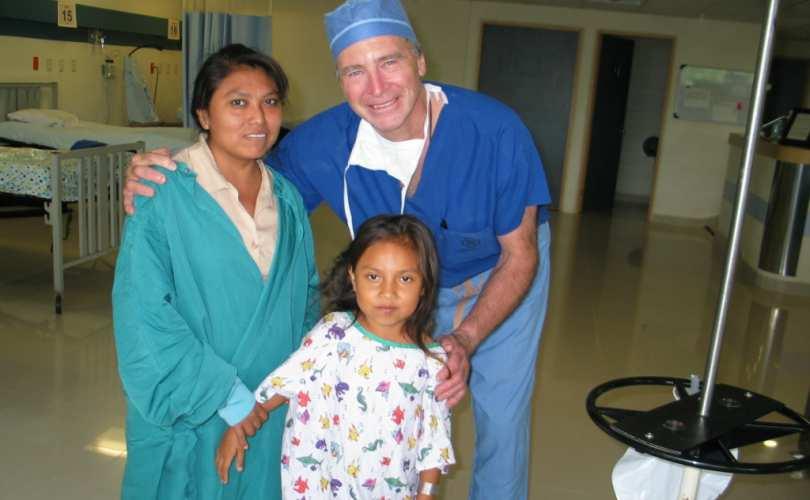 Photo of Medic american concediat pentru că a susținut că practicile homosexuale prezintă riscuri pentru sănătate