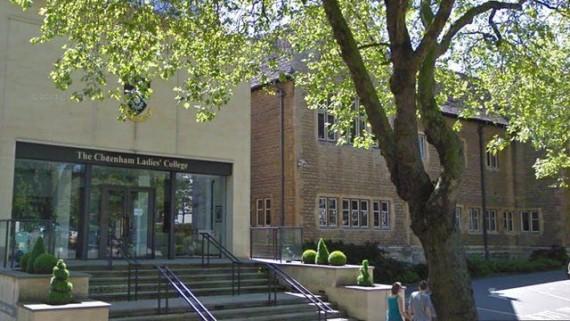 Photo of Marea Britanie: O școală de prestigiu are în vedere eliminarea temelor pentru a combate depresia elevilor