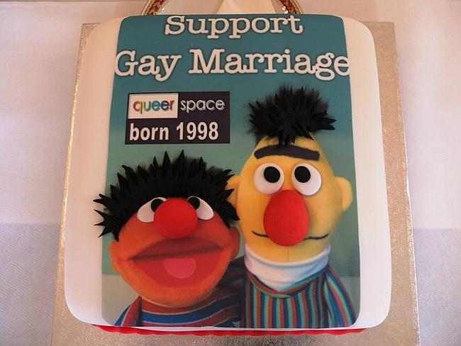 Photo of Actorul Patrick Stewart din Star Trek, activist gay, susține cofetarii creștini acuzați de discriminare