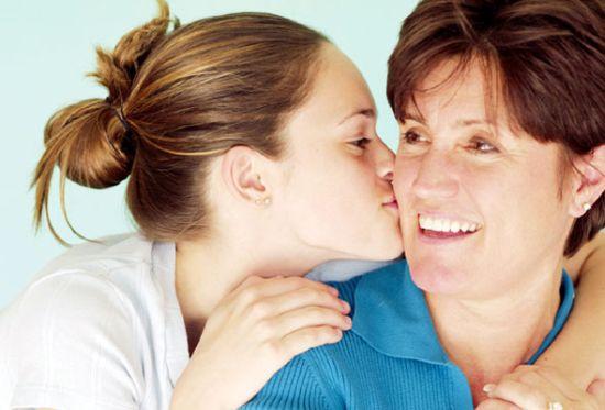 Photo of Legăturile de familie, și nu prezervativele, protejează sănătatea tinerilor