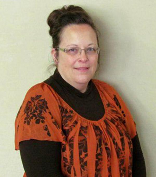 Photo of Kim Davis, funcționara care refuză să elibereze certificate de căsătorie pentru homosexuali, a fost eliberată din arest