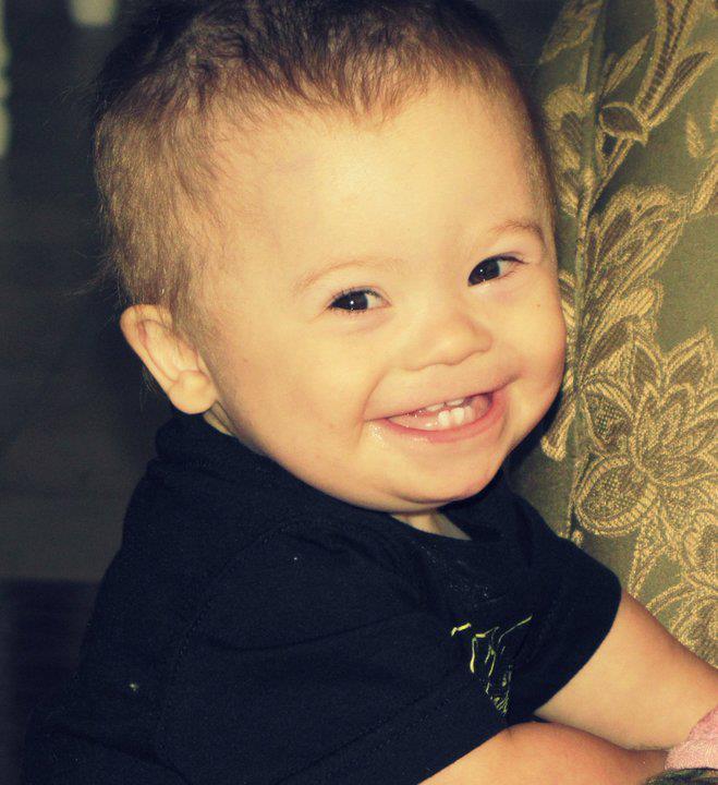 """Photo of """"Fiul nostru Oliver ne-a adus mai multă fericire în viețile noastre decât ne-am fi gândit că este posibil."""""""