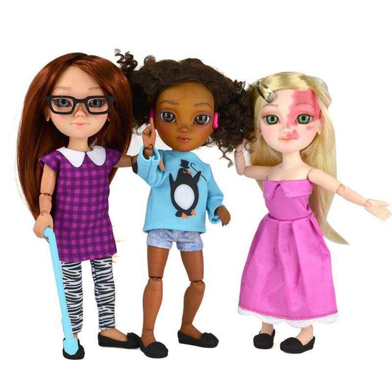 Photo of Fabricile de jucării nu fac păpuși cu care copiii cu dizabilități ar putea să se identifice, așa că mamele acestora au schimbat acest lucru