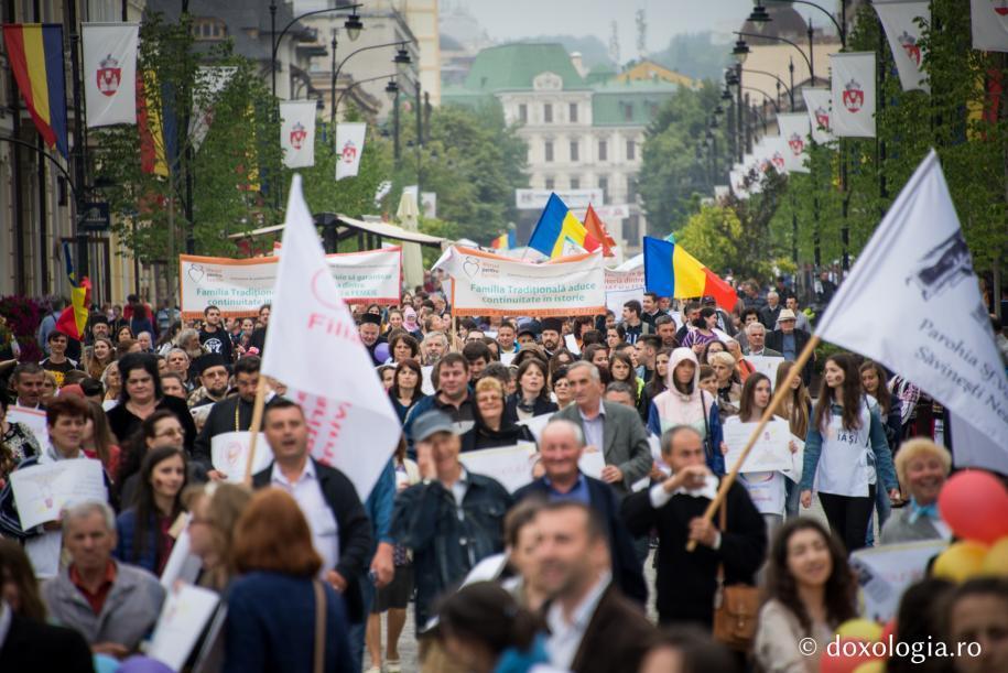 Photo of FOTO & VIDEO: Marșul pentru familie de la Iași, ediția 2016