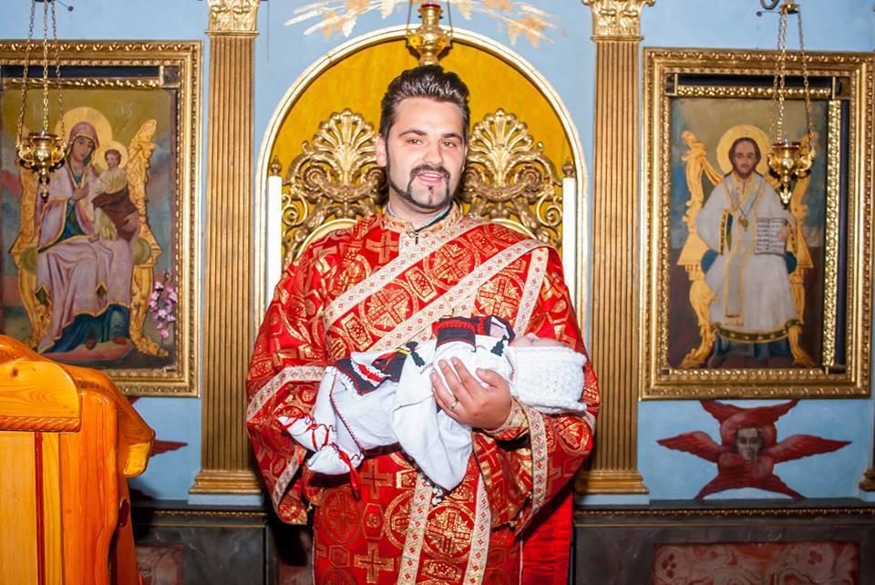 """Photo of Pr. Vasile Antonie Tămaș lansează campania """"Un român pentru România. Nu-i abandona, nu-i avorta, îi primesc eu!"""""""