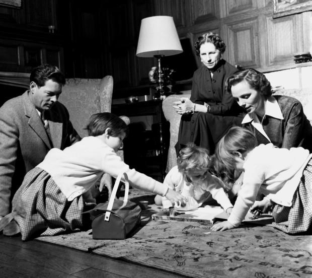 Photo of Despre Regina Ana și discreția vieții de familie: Ar trebui să ne pese!