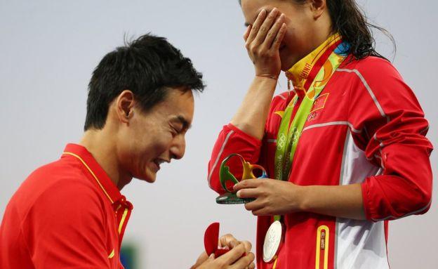 Photo of Jocurile Olimpice de la Rio: Un sportiv chinez își cere iubita în căsătorie sub ochii întregii lumi