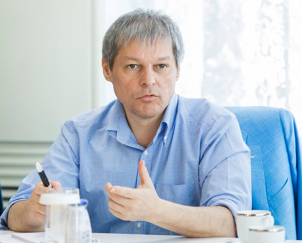 Photo of Premierul Cioloș consideră că menționarea căsătoriei bărbat-femeie în Constituție nu este în contradicție cu toleranța
