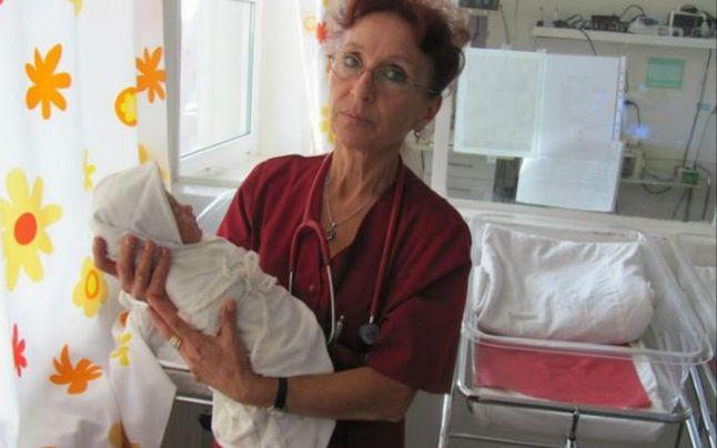 Photo of Medicii pensionari, singurii care au rămas alături de Maternitatea din Slobozia au salvat de curând un bebe prematur cu puține șanse de supraviețuire