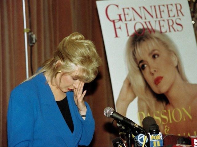 """Photo of Alegeri SUA. Gennifer Flowers: """"Bill Clinton mi-a dat 200 de dolari pentru a plăti avortul după ce am rămas însărcinată cu el"""""""