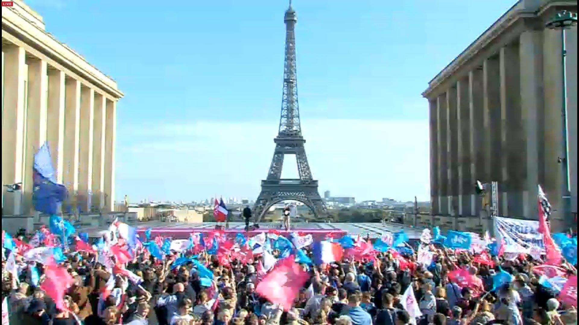 """Photo of VIDEO. La Manif Pour Tous: Sute de mii de francezi protestează din nou în stradă împotriva """"căsătoriei"""" pentru homosexuali, a ideologiei gender în școli și a gestației pentru terți"""