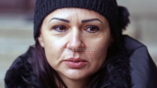 Photo of Motivul pentru care o bucureșteancă de 43 de ani împodobește de 13 ani baldachinul Sfintei Parascheva