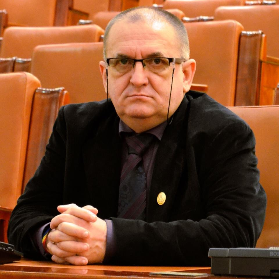 """Photo of Deputatul Radu Zlati despre """"titulara portofoliului de la Justiție"""": """"Fie nu este în acord cu lumea, fie nu a pus de multă vreme mâna pe Constituție"""""""