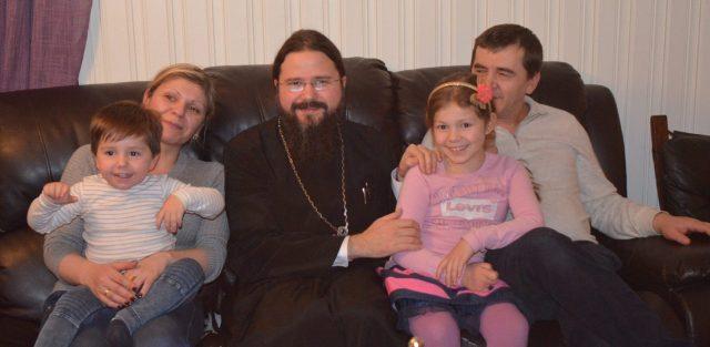Photo of Familia Nan și-a pus copiii la adăpost în România, dar cei doi părinți încă mai riscă o condamnare în Norvegia, unde poliția l-a arestat abuziv pe tată