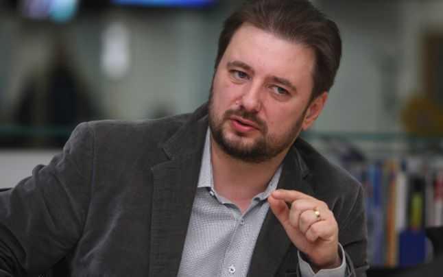 """Photo of Cristian Pârvulescu, Pro-Democrația: """"Orice rezultă din alegeri este democratic. Și, dacă direcția este împotriva drepturilor și libertăților omului, atunci asta este voința națională. Trei milioane de oameni au semnat, iar clasa politică a cedat imediat presiunilor acestei mulțimi"""""""