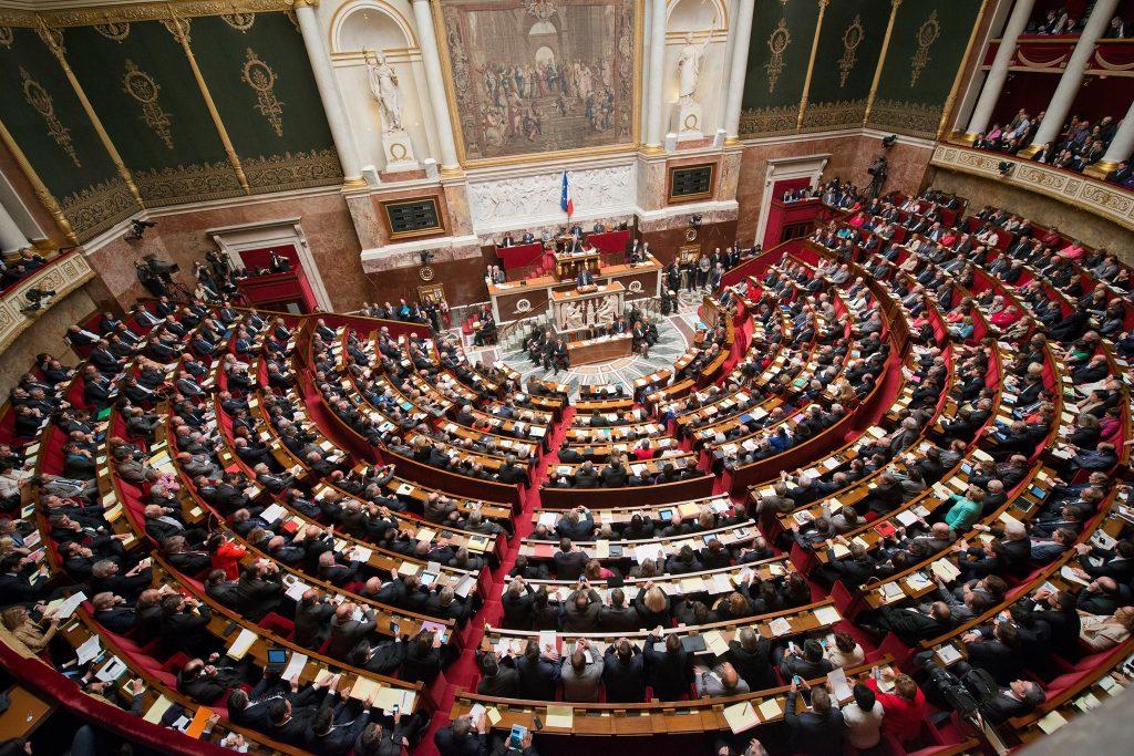 Photo of Prima cameră a parlamentului francez adoptă o lege care va interzice website-urilor pro-viață să le sugereze femeilor în criză de sarcină opțiuni alternative la avort