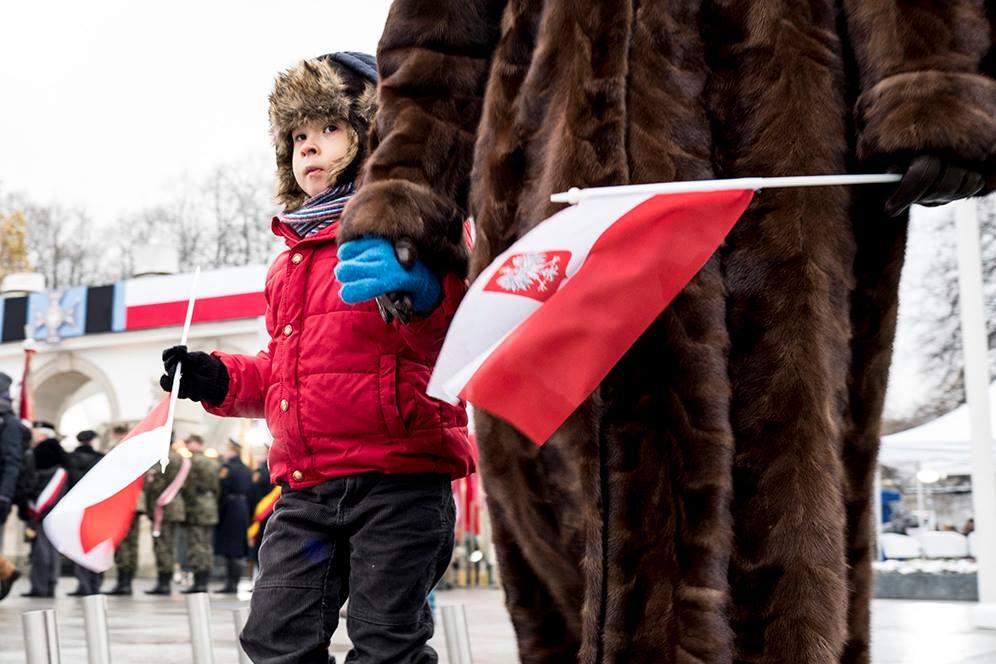 Photo of Analiză. Politicile pro-familie din Polonia: concediu de maternitate, indemnizații pentru copil, sprijin pentru mame singure, facilități fiscale pentru părinți