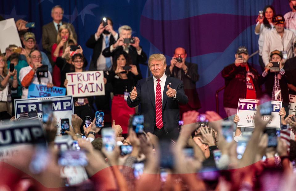 Photo of Cele 6 promisiuni ale lui Trump despre avort, căsătorie și libertatea conștiinței